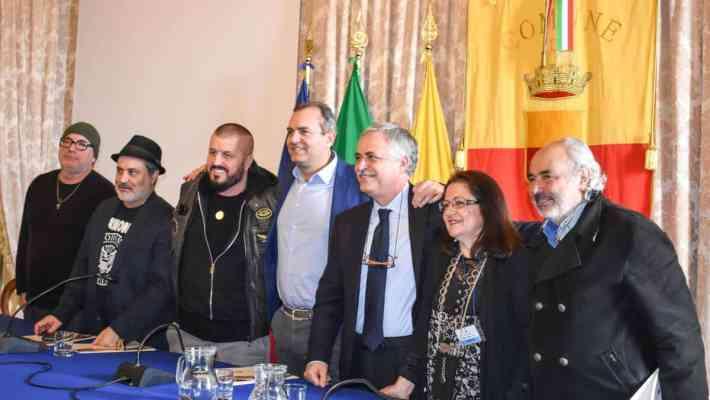 """Conferenza Stampa """"Je sto vicino a te, 63"""" in ricordo di Pino Daniele"""