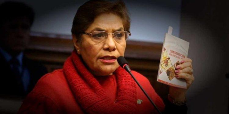 Luz Salgado denuncia que es víctima de amenazas y hace llamado al país