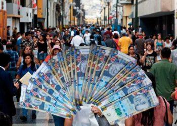 Peruanos pretenden ganar un salario entre los 2.350 y 5.600 soles