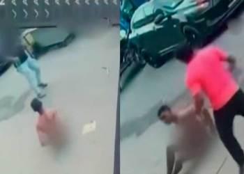 Vecinos atrapan a delincuente y lo desnudan, pero cómplice regresa a defenderlo y lo libera