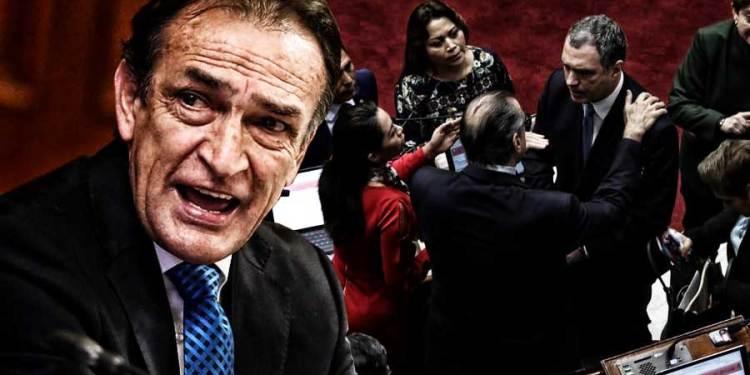 Becerril: ¿Quién se cree que es del Solar, para irrumpir violentamente en el Congreso?