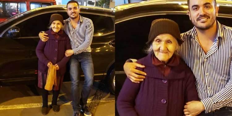 Abuelita de 87 años trabaja cuidando autos para ayudar a esposo enfermo que está en cama