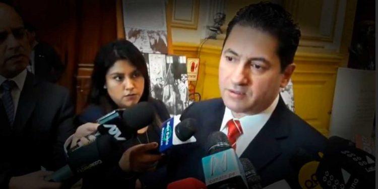 """Salvador Heresi: """"El presidente Vizcarra ha hecho un tremendo papelón en la ONU"""""""