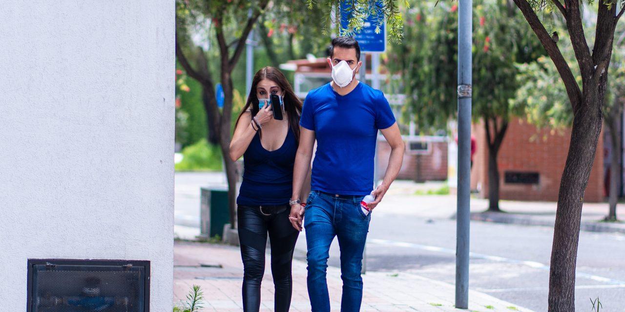 1.128 contagios en 24 horas. El COE dice que las cifras bajan