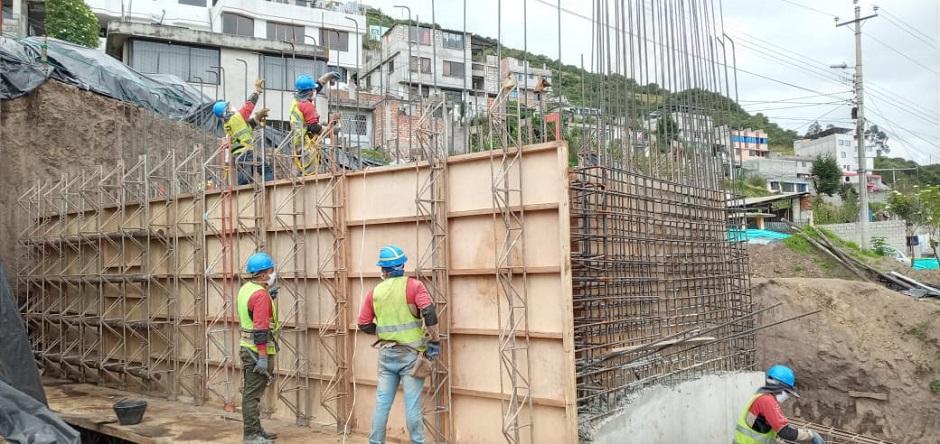 Se reinició la construcción del puente vehicular Triángulo de Piedra