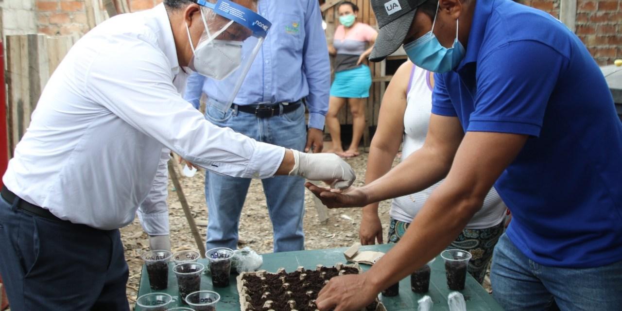 Más de 55 mil familias orenses beneficiadas con Huertos Familiares y criadero de pollos
