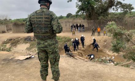 FF.AA. destruyen nueve puentes ilegales en la frontera sur