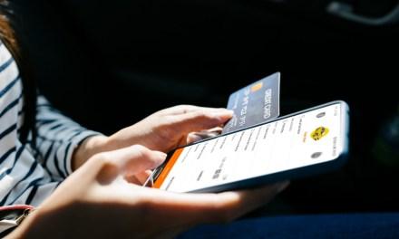 Se oferta Servicio de taxi con sistema de pago electrónico