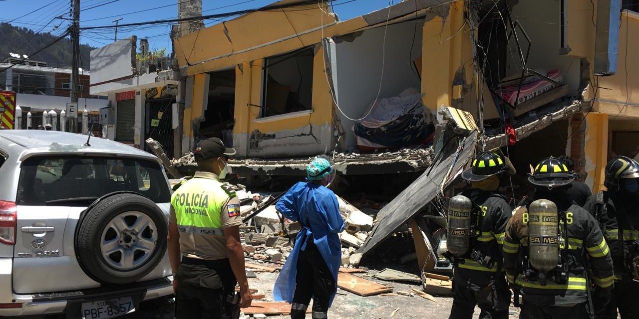 Ocho heridos, 19 viviendas y 6 vehículos afectados tras explosión de cilindro de gas en Cumbayá