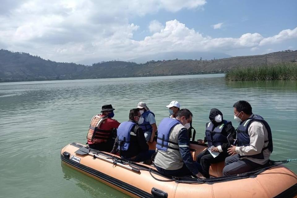 Las autoridades buscan la recuperación de la laguna de Yahuarcocha