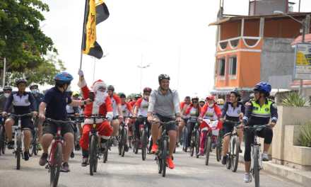 Una importante participación familiar tuvo la edición navideña Samborondón en bici