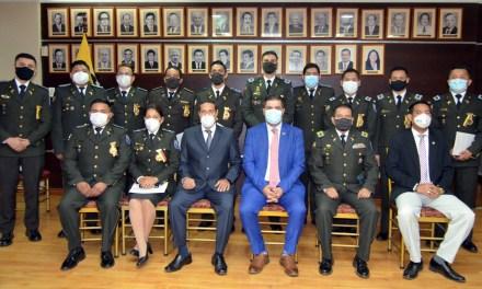 12 policías de la Unidad Antinarcóticos reciben la Condecoración Pública solemne al mérito profesional