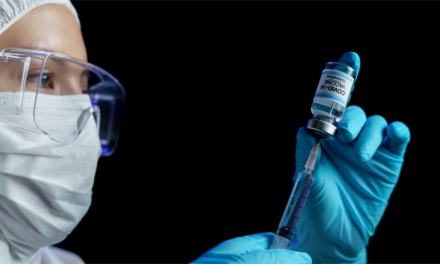 Más de 120 mil personas ya han sido inmunizadas en Ecuador, según informe oficial