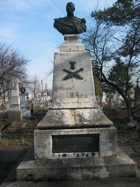 Bustul inspectorului de artilerie Mihai Pastia
