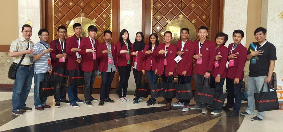 Mahasiswa Universitas Ciputra di Tech In Asia Jakarta 2015