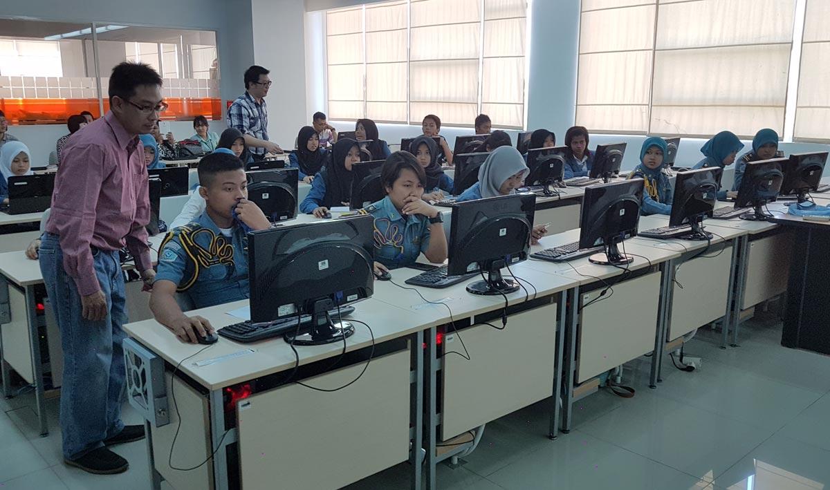 Bisnis Online Training di Universitas Ciputra (3)