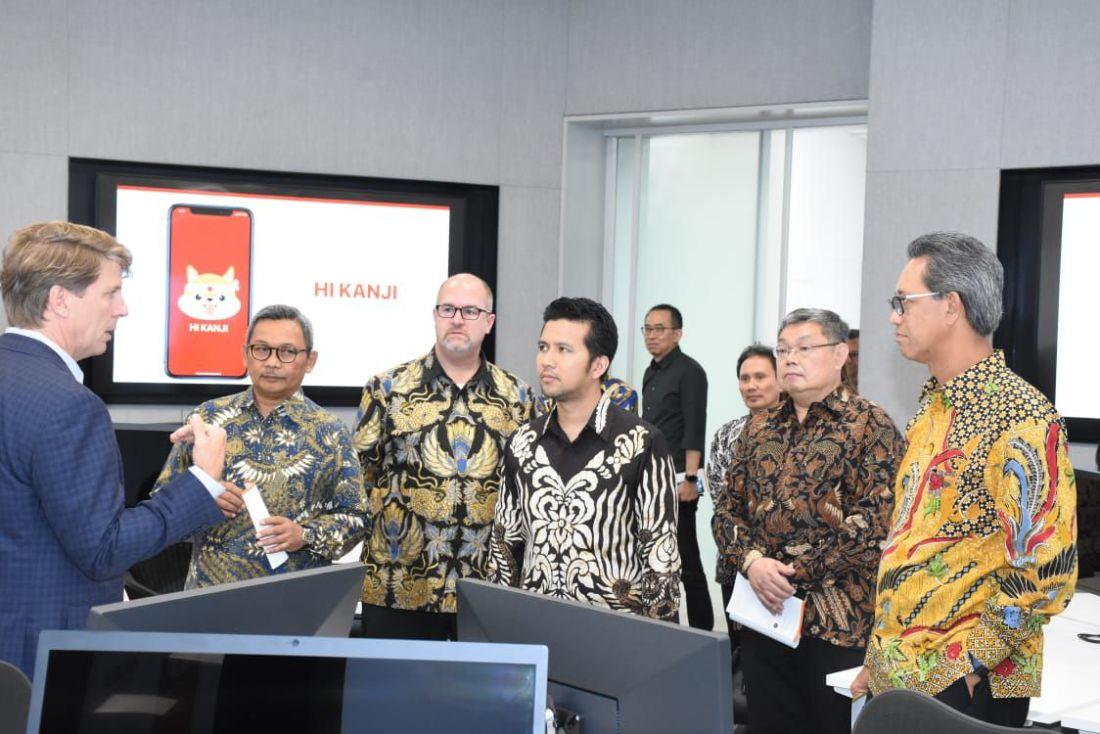 Wakil Gubernur Jawa Timur (Jatim), Emil Elestianto Dardak ikut meresmikan Apple Developer Academy di Surabaya. Foto: Universitas Ciputra