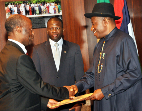 PRESIDENT GOODLUCK JONATHAN (R), RECEIVES LETTERS OF CREDENCE FROM THE AMBASSADOR OF ZAMBIA, LT.-COL. BIZWAYO NKUNIKA (RTD), IN ABUJA ON MONDAY