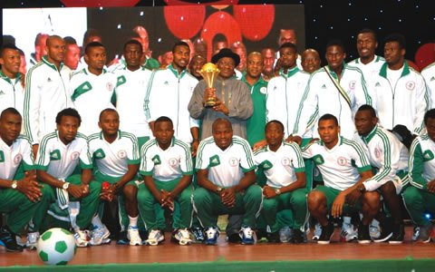 President Goodluck Jonathan With the Afcon 2013 Trophy.