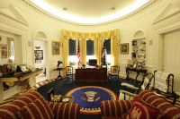 PHOTOS: US White House Fan Builds 150,000 Replica of Oval ...