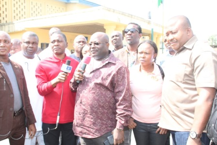 MEMBERS OF THE RIVERS ASSEMBLY LED BY SPEAKER OTELEMABA DAN AMACHREE AT THE STATE POLICE COMMAND ON WEDNESDAY