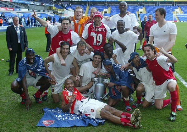 Picture by ANDY HOOPER. Gilberto Silva (No. 19) Celebrates Winning the EPL After Arsenal's Game Against Tottenham at WHL.