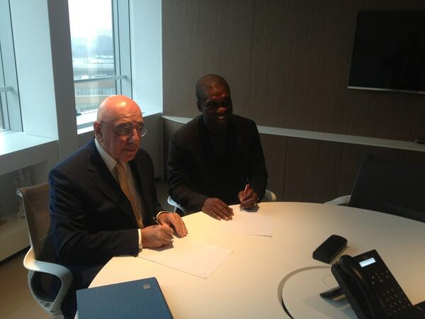 Seedorf Pens Down for Milan Alongside Gilliani. Twitter @acmilan
