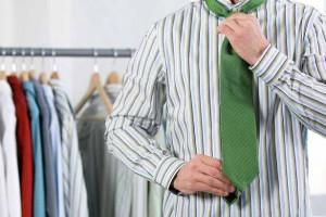 Tie-being-worn-3169474