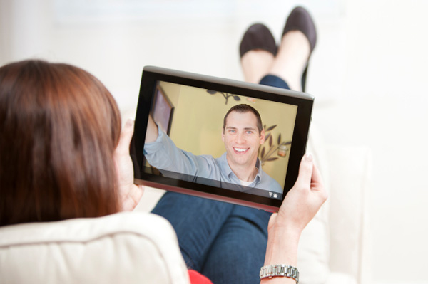 Signs Your Deep Distance Relationship Is In Trouble