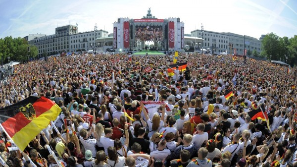 Sea of Crowd Awaits the triumphant German National Team in Berlin. Image: AFP.
