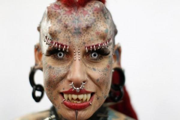 245257-the-vampire-woman-of-mexico-la-mujer-vampiro