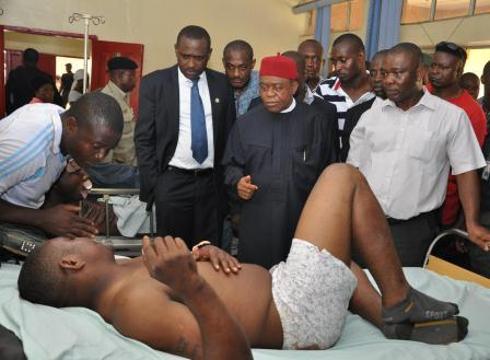 GOVERNOR ORJI AT FMC UMUAHIA TO SYMPATHIZE WITH NANS ACCIDENT VICTIMS