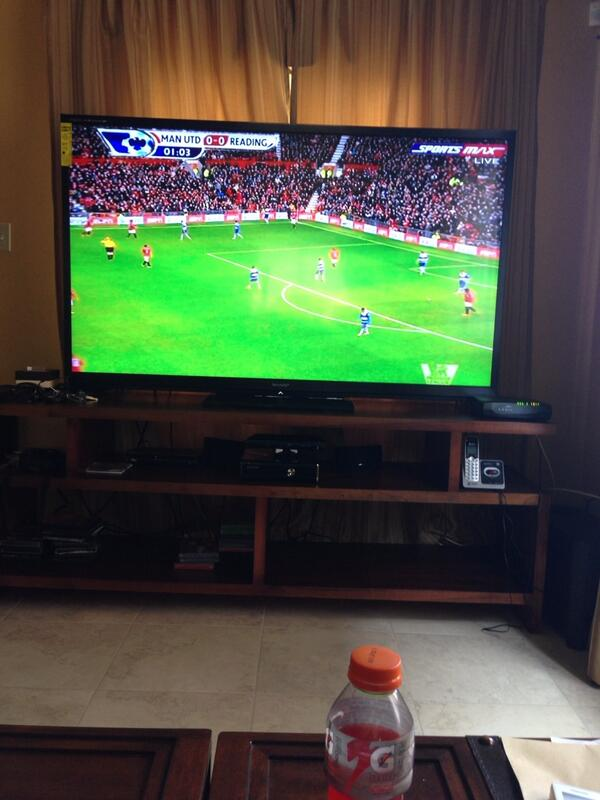 Bolt Posted this Images on Twitter of a United-Reading Match Streaming on His TV Set.