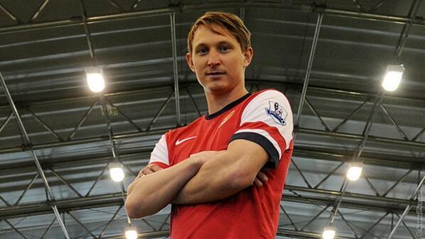 Kim Kallstrom Joins Arsenal.