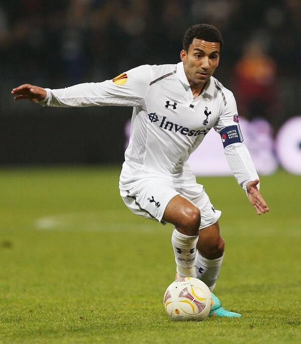 Aaron Lennon Captained Spurs for the Second Time at Benfica.