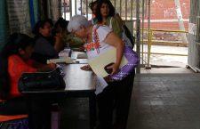 """Se inconforman paterfamilias por pago obligatorio de """"cuotas voluntarias"""""""