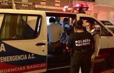Taxi del 23 de octubre provoca accidentes y huye; cuatro lesionados