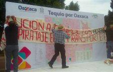 Mientras funcionarios pintan paredes, transportistas protestan