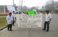 Trabajadores de Salud realizan marcha para denunciar desabasto de medicamentos e indolencia gubernamental