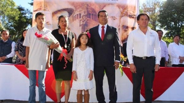 Otorgan Premio municipal del deporte a la atleta Cristina Villalba Cruz