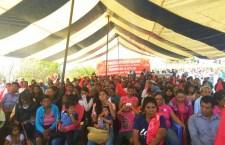 Reciben mixtecos apoyos de «El campo en nuestras manos»