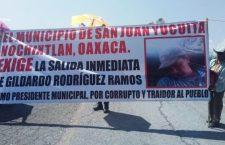 Bloquearon carreteras habitantes de Yucuita