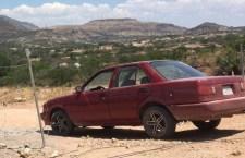 Hombres encapuchados roban un vehículo