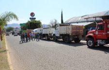 Grupos de materialistas, acusados de acaparar obras a costa de chantajes y sobornos en Huajuapan
