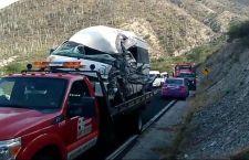 Deja tres lesionados choque de suburban y camioneta