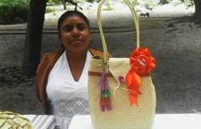 Artesanos mixtecos ganan concurso de Fibras Duras y Semiduras