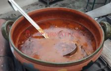 Gobierno de Cué quedó a deber recursos al Festival del Mole de Caderas de Huajuapan
