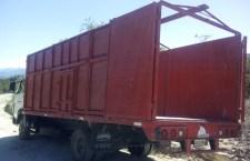Encuentran camión que se dirigía a Juxtlahuaca; hurtaron los abarrotes que trasladada