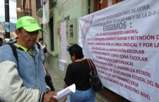 Docentes de Tuxtepec denuncian retención de salarios