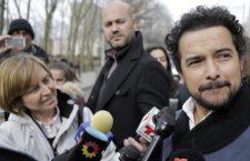 """El actor que interpreta a """"El Chapo"""" Guzmán en la serie Narcos va a su juicio a verlo """"cara a cara"""""""